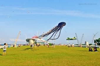Weekend scene at Marina Barrage